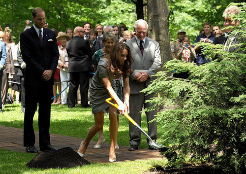 Prince William and Kate Middleton planted a tree on the grounds of Rideau Hall.