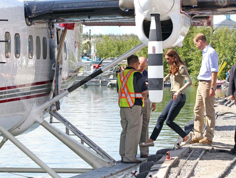 Kate Middleton wore skinny jeans as she and Prince William hopped on a seaplane.