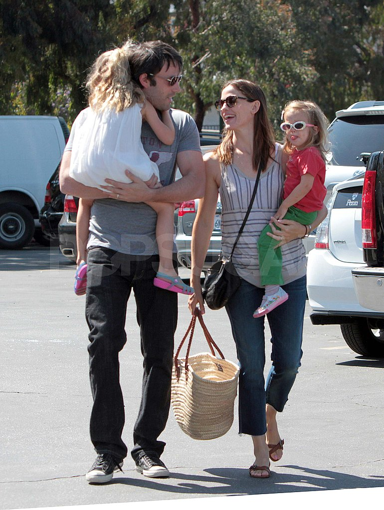Ben Affleck and Jennifer Garner take Violet and Seraphina to the Brentwood Country Mart.