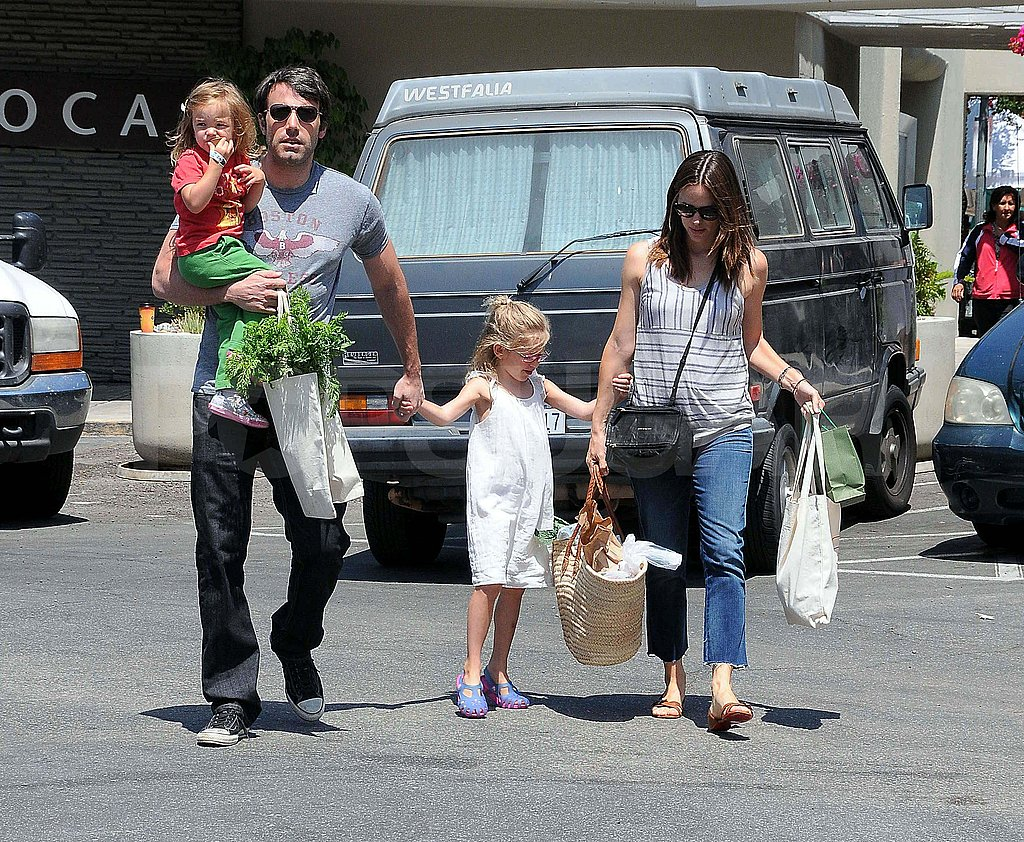 Ben Affleck and Jennifer Garner with Violet and Seraphina.