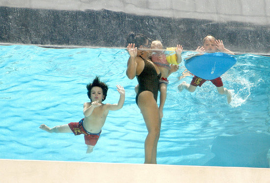 Maddie Aldridge, Lynne Spears, Jayden James Federline and Sean Preston Federline horsed around in the pool.