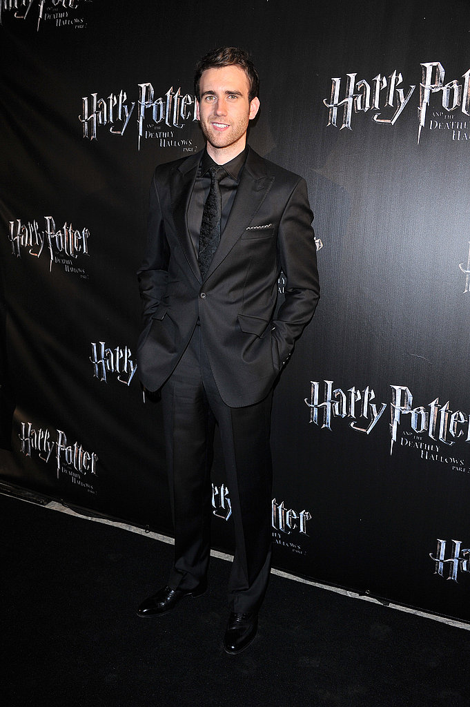 At the Canadian premiere of Harry Potter and the Deathly Hallows Part 2 Matt Lewis demonstrates how to make an all-black suit work.