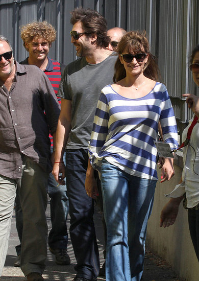 Penelope Cruz with husband Javier Bardem on the Bop Decameron set.
