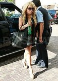 Jessica Simpson toted an oversized bag in Beverly Hills.