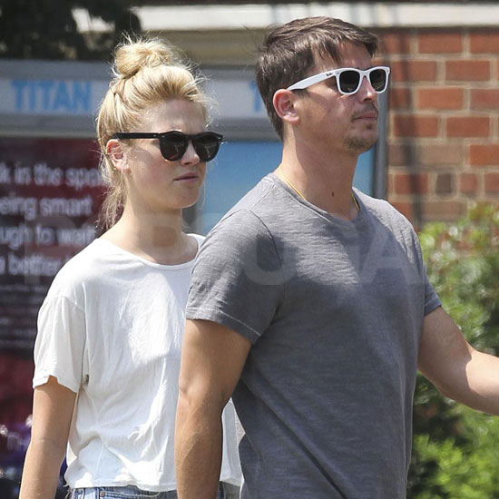 Josh Hartnett and Sophia Lie walked around NYC.