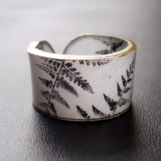 Botanika Fern Ring, $6
