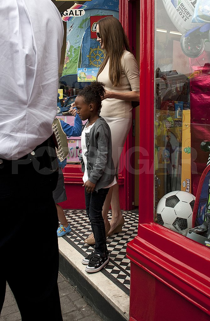 Angelina Jolie buys toys with Zahara Jolie-Pitt and Shiloh Jolie-Pitt.