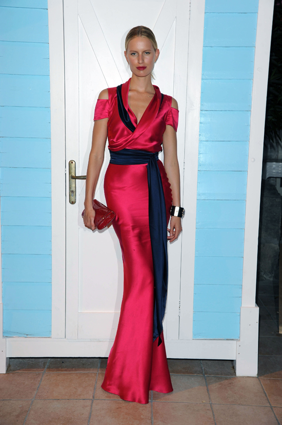 Earlier this month, Karolina Kurkova attended the Ischia Global Film and Music Festival in Italy in a fuschia and navy gown from Sophie Theallet's Resort 2012 collection.