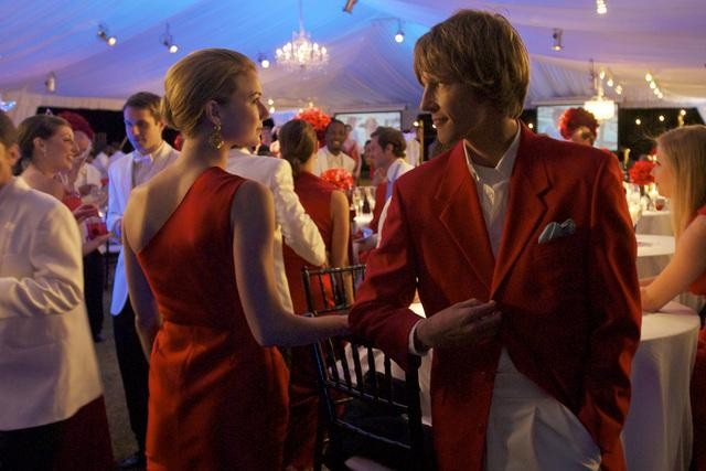 Emily VanCamp and Gabriel Mann in ABC&#039;s Revenge.