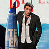Robert Pattinson Wins at the Teen Choice Awards Pictures