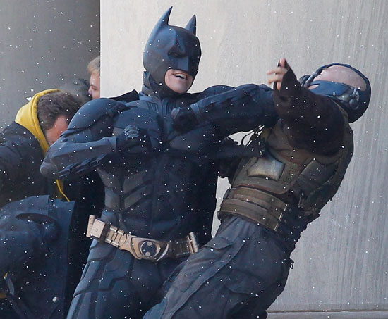 New Pics: Batman Battles Bane in The Dark Knight Rises