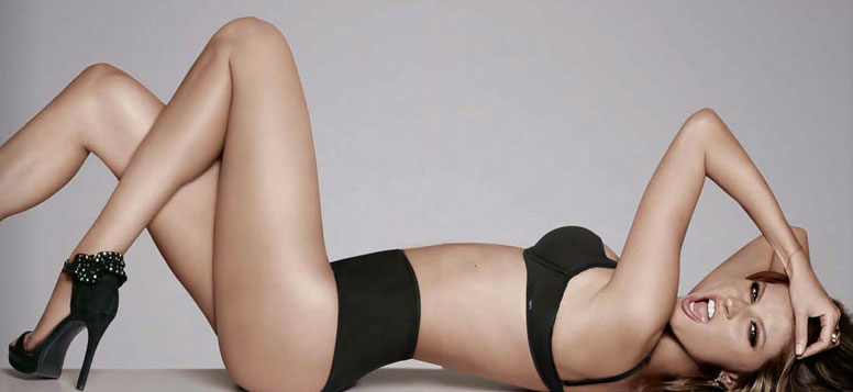 Gisele stretched out and gave a sassy face in her bra and underwear.