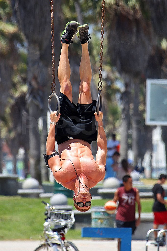 Kellan Lutz worked on his upper body strength.