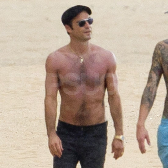 Jennifer Aniston's boyfriend Justin Theroux shirtless.