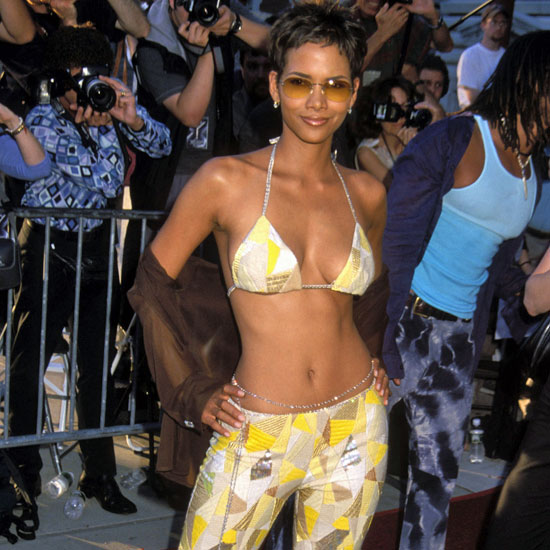 Halle Berry showed off her abs during the July 2000 Ellis Island premiere of X-Men.