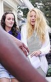 Blake Lively and Leighton Meester chatted between scenes.