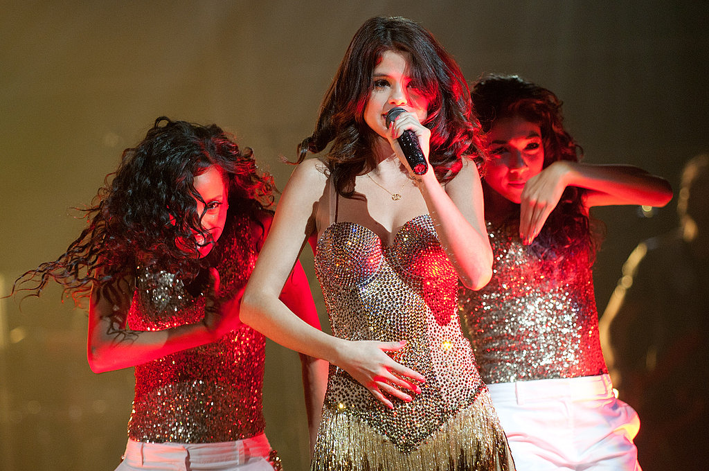 "Selena Gomez Enjoys Deep-Dish Pizza, but Stays Healthy With ""A Lot of Subway"" on Tour"