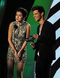 Selena Gomez and Taylor Lautner at the 2011 MTV VMAs.