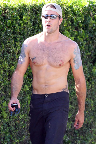 3. Alex O'Loughlin