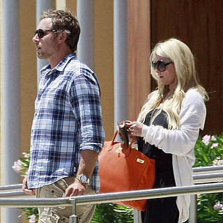Jessica Simpson and Eric Johnson Hop a Private Jet Pictures