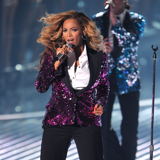 Pregnant Beyonce Knowles Performing 2011 VMA  Video