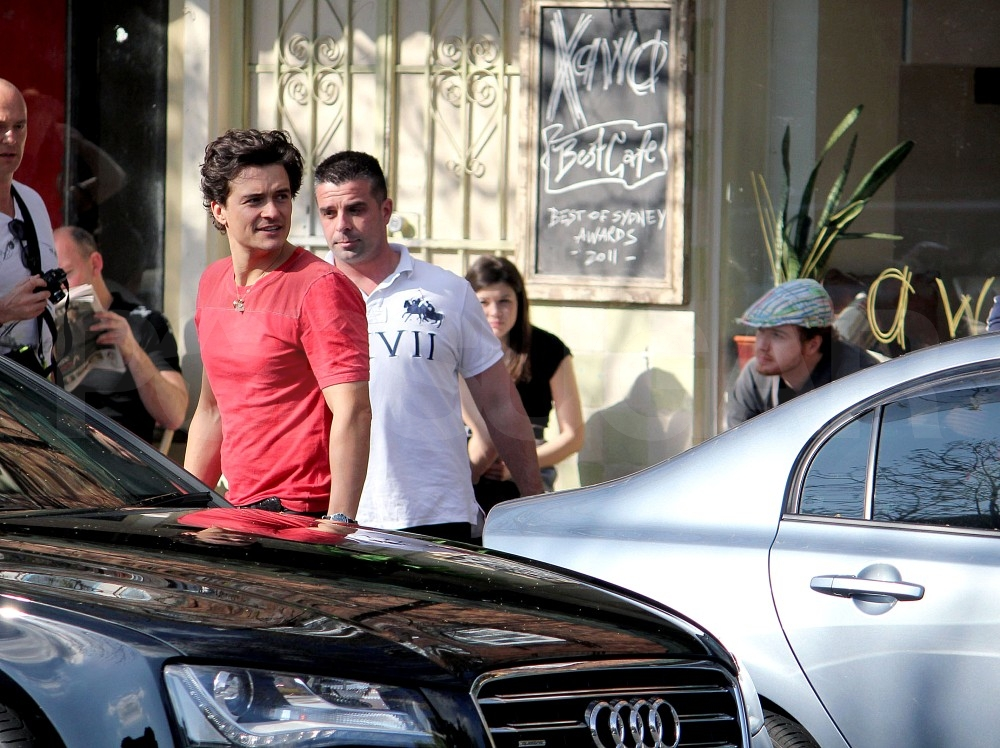 Orlando Bloom on a coffee run.