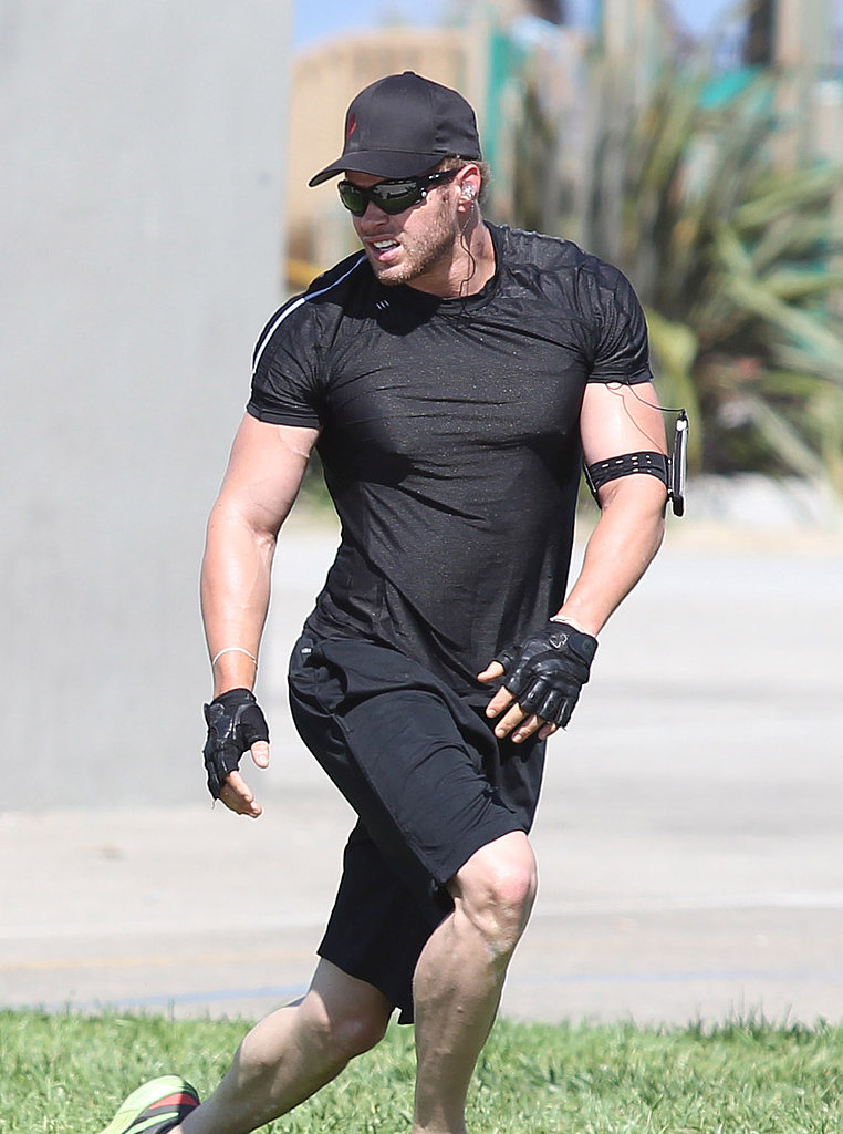 Kellan wore all black during his workout.