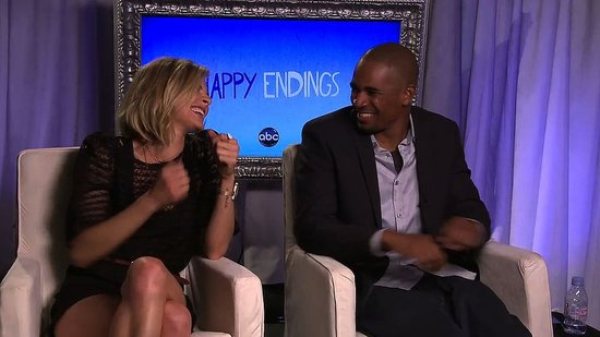 "Eliza Coupe and Damon Wayans Jr. Say Their Happy Endings Characters ""Have Way Too Much Sex to Break Up"""