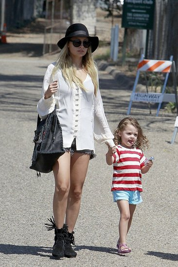 Nicole Takes Her Little Songstress Harlow to the Malibu Fair