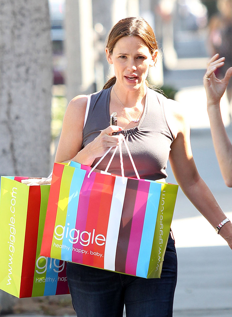 Pregnant Jennifer Garner shops at Giggle in LA.