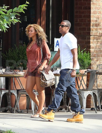 Jay-Z and Pregnant Beyoncé Knowles Do Brunch in NYC!