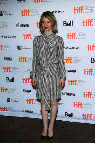 Mia Wasikowska for a smart, ladylike look at the Restless premiere.