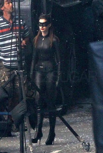 Anne Hathaway in Catwoman Suit Pictures Previous 1 11 Next