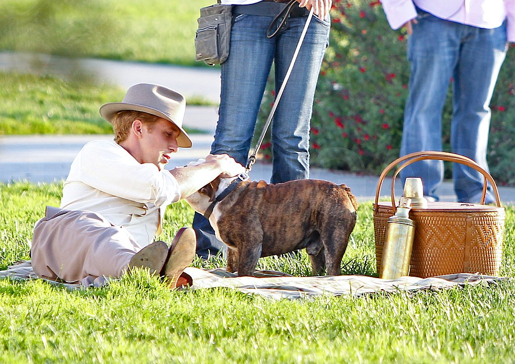 Ryan Gosling enjoyed a picnic on the set of The Gangster Squad.