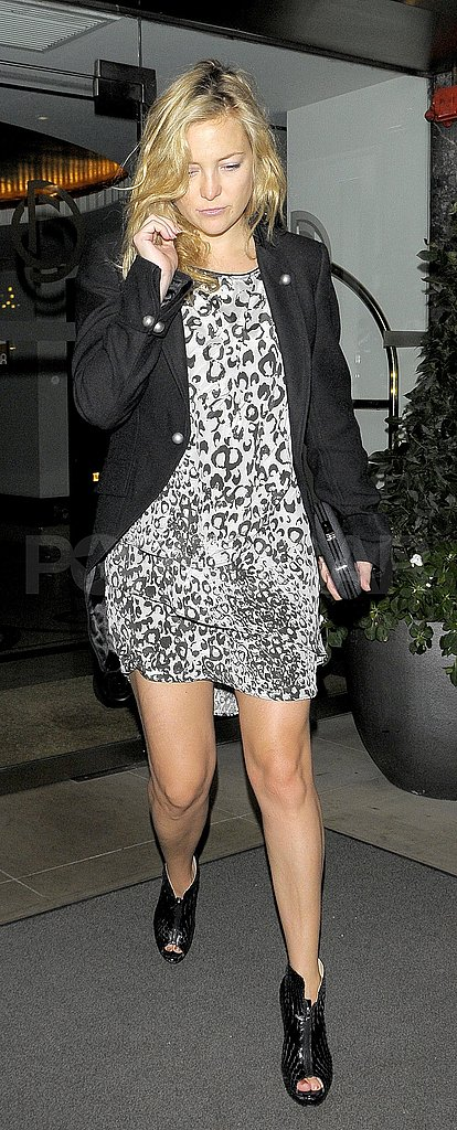 Kate Hudson in a leopard print dress.