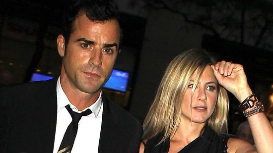 Video: See Jennifer Aniston and Justin Theroux's Date Night — and the Painting She Bought For Charity For $450K!