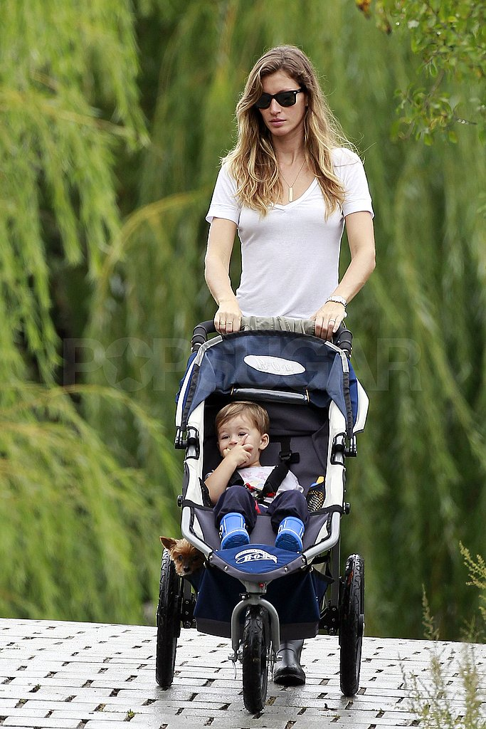 Gisele pushed Benjamin in his stroller