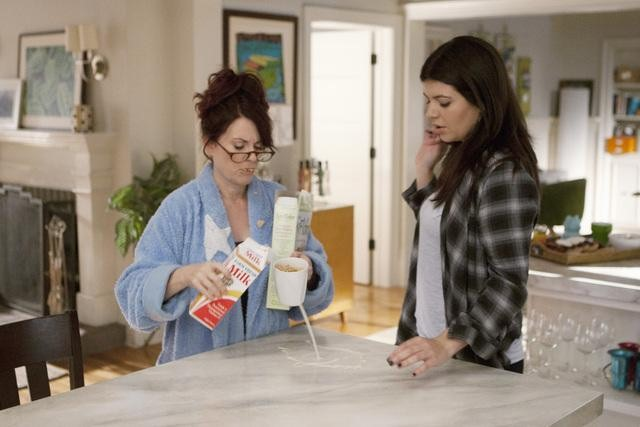 Megan Mullally as Dana and Casey Wilson as Penny on Happy Endings. Photo copyright 2011 ABC, Inc.