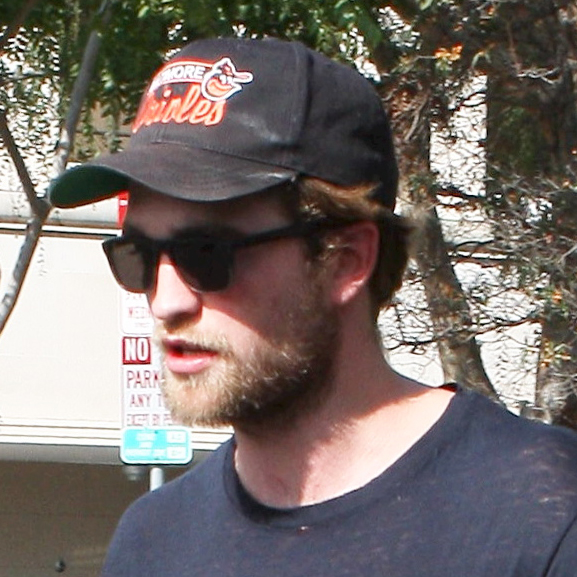 Robert Pattinson's bushy beard!