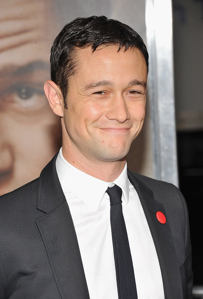 Joseph Gordon-Levitt wore a little red pin on his suit.