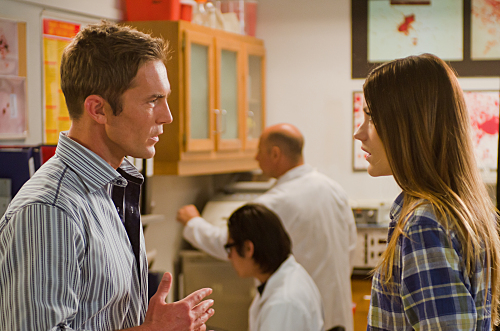 Desmond Harrington as Joey Quinn and Jennifer Carpenter as Debora Morgan on Dexter. Photo courtesy of Showtime