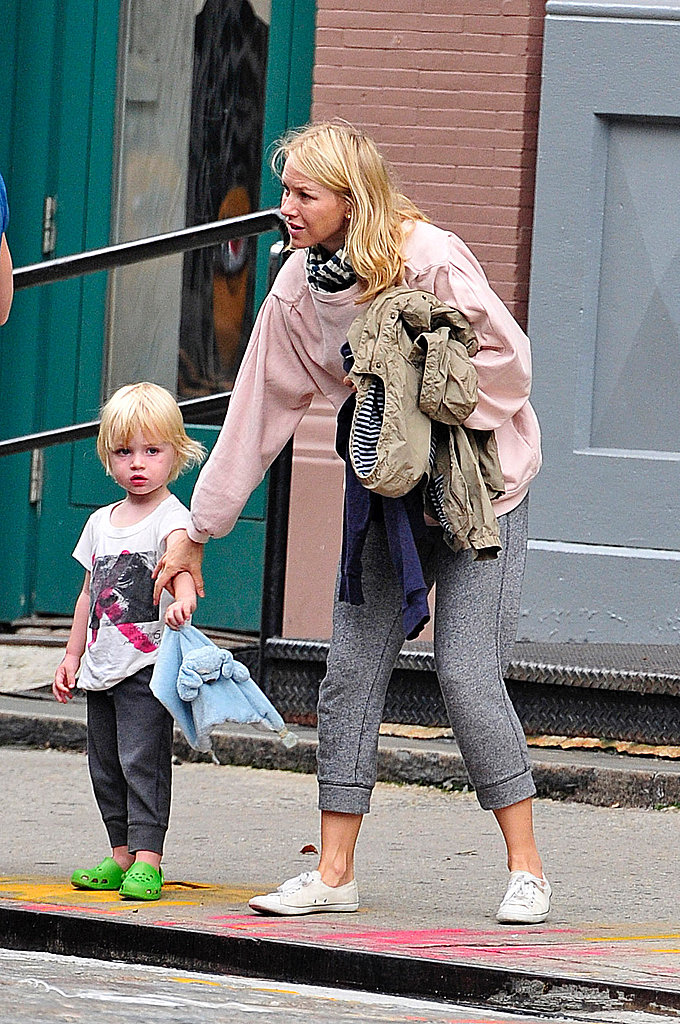 Naomi Watts and Samuel Schreiber on the streets of NYC.