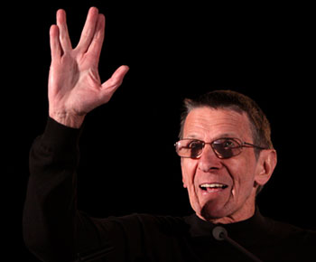 Leonard Nimoy Says Goodbye to Conventions