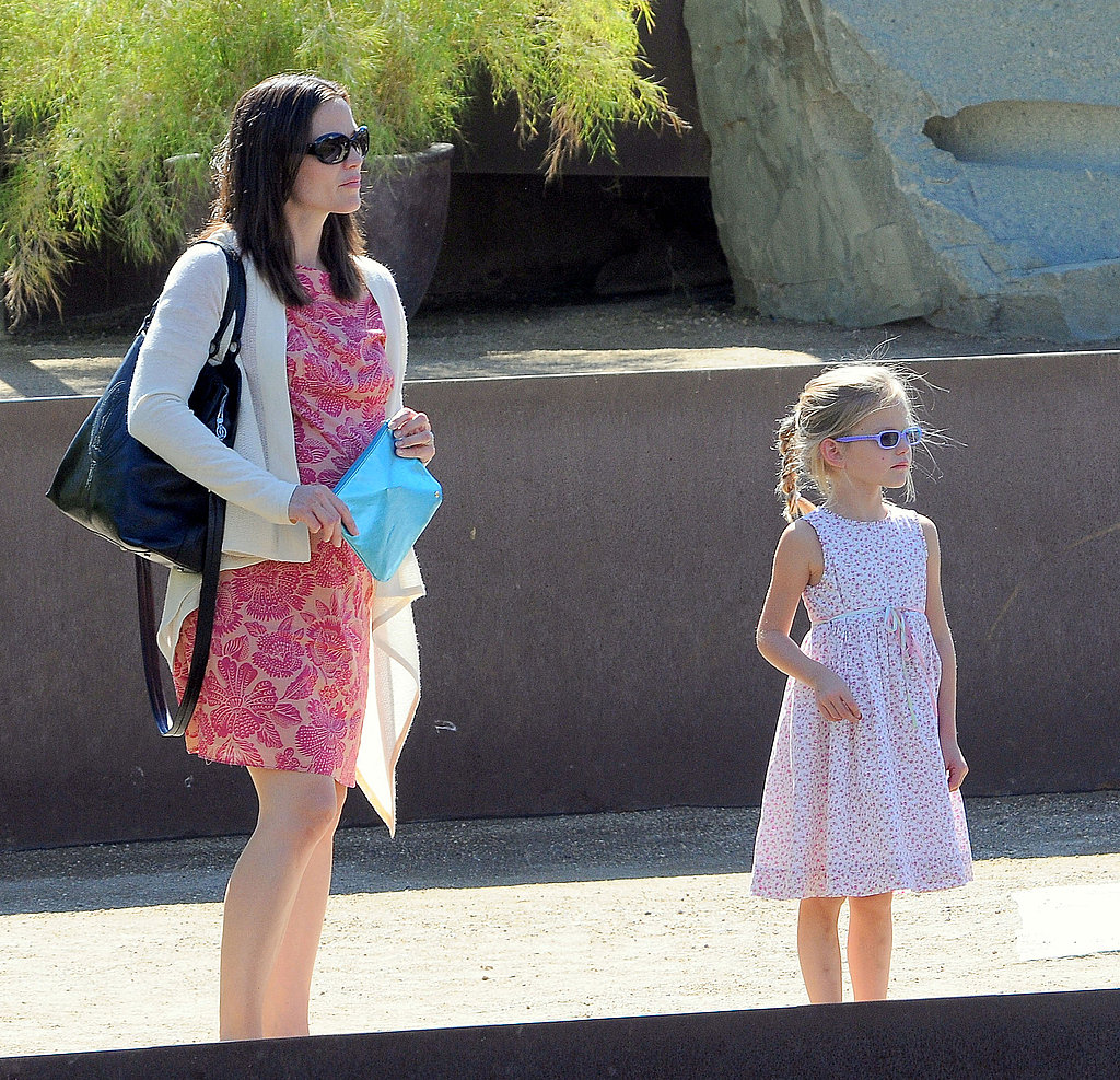 Jennifer Garner and Violet Affleck looked at the gardens at the Getty Center in LA.