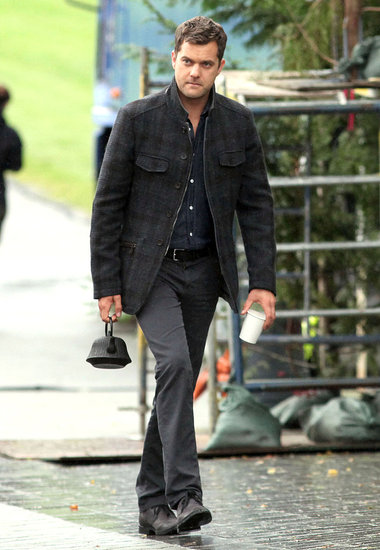 Joshua Jackson Makes Time For Tea While Filming Fringe