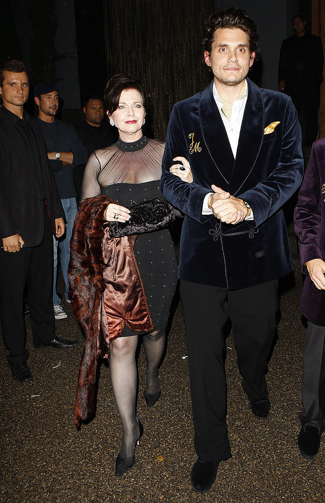 John Mayer dined in LA with his mom, Margaret, in 2009.