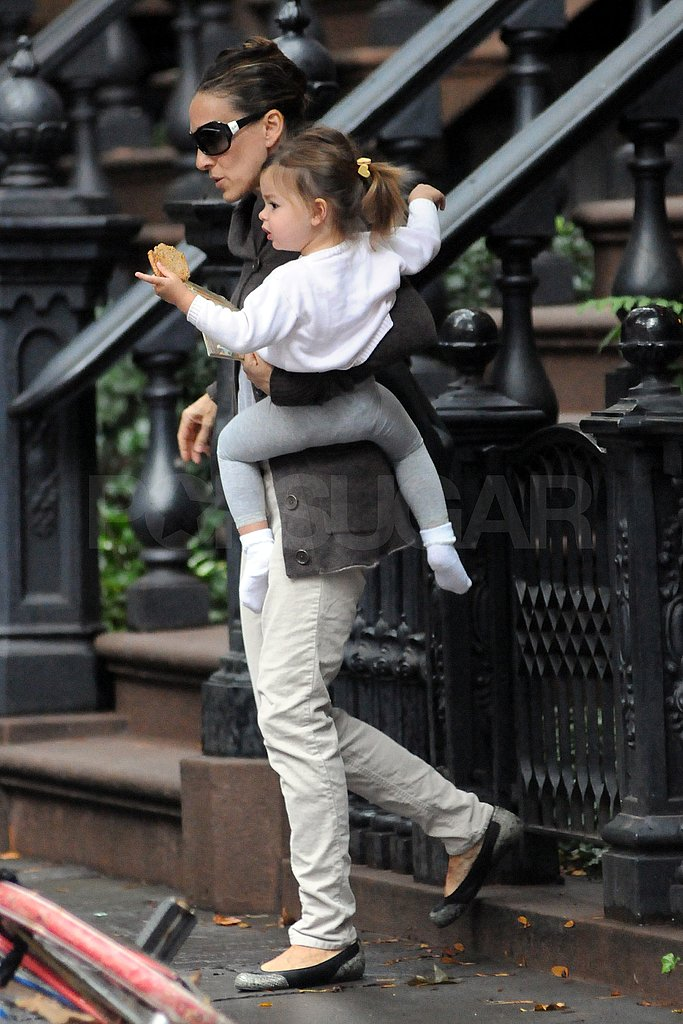 SJP carried Tabitha out of their NYC home.
