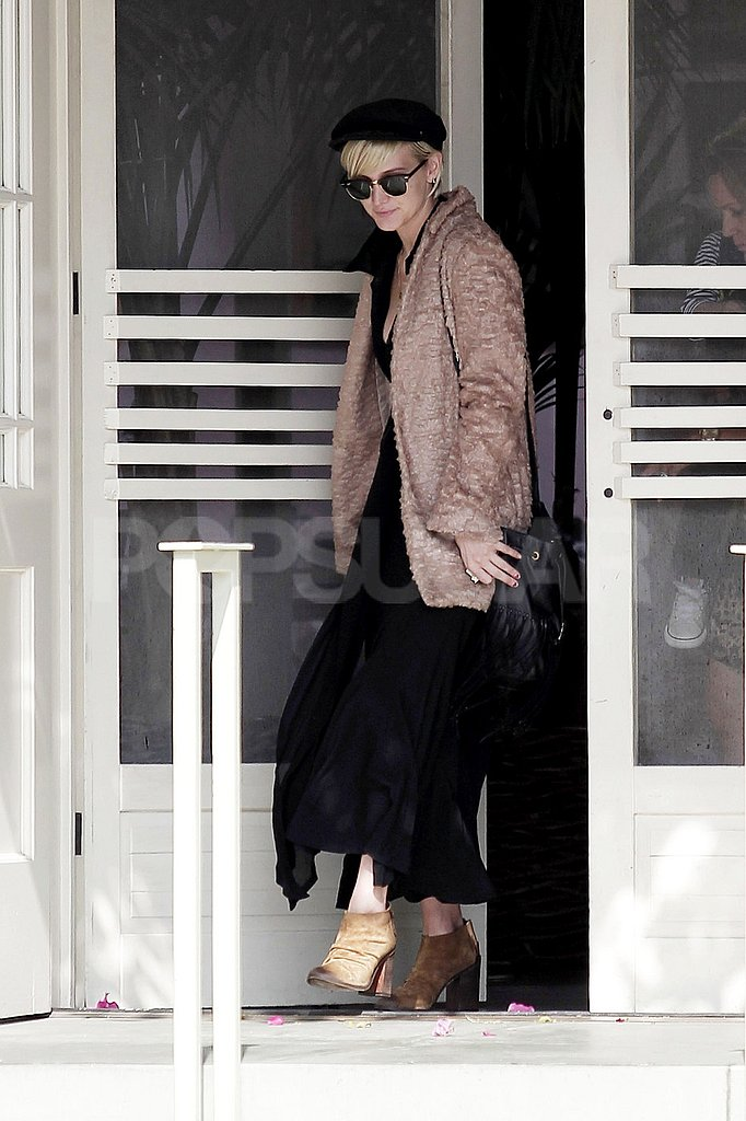 Ashlee Simpson walked out of The Ivy in LA.
