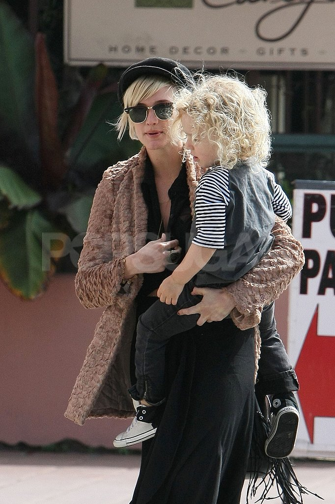 Ashlee Simpson carried a curly-haired Bronx Wentz in LA.