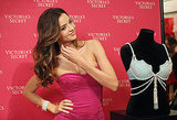 Miranda Kerr threw her hair back before posing for photos.